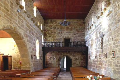 interieur-de-leglise-saint-laurent-a-carcares